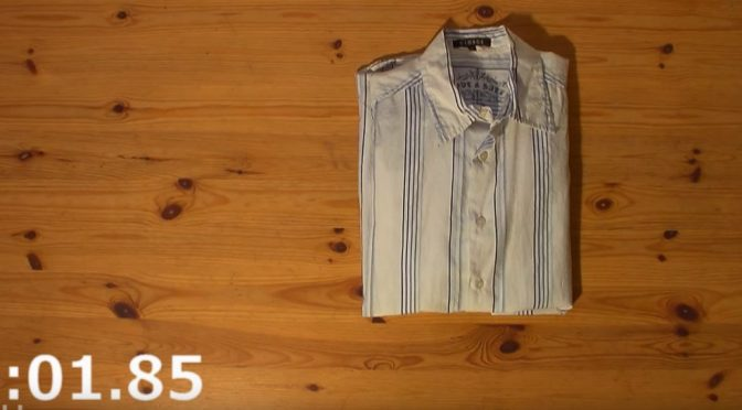 how-to-fold-t-shirt-2ss