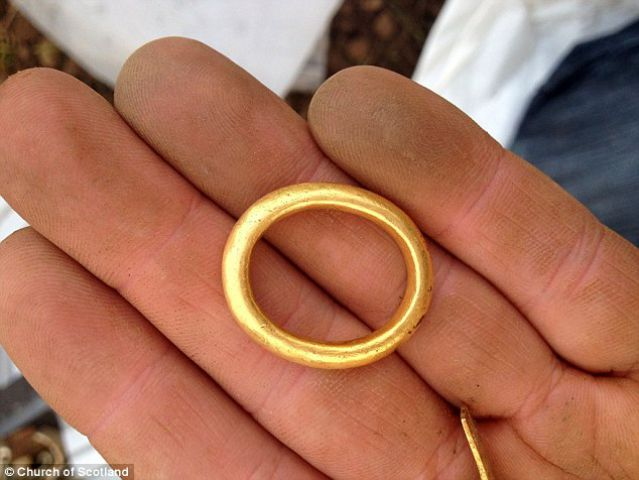 gold_ring_the_oval_shap_s