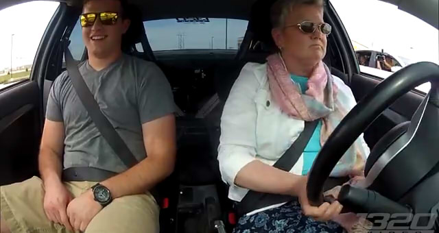 Mom DRIVES the 900hp 3Dx Evo3