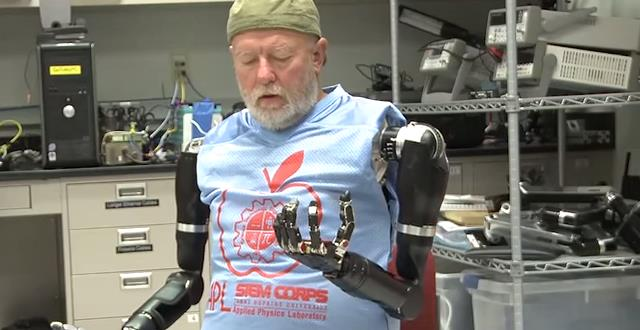 both_artificial_robotic_arm
