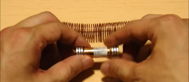 homemade_train_magnet_copper_wire_dry_cell (1)