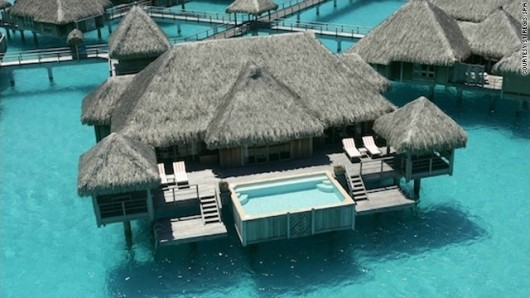 110712_floating_hotels_001