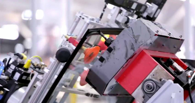 How the Tesla Model S is Made08