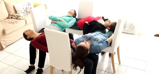 4_girl_chair_trick (3)